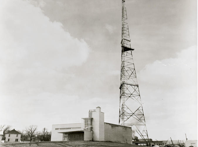 KSTP Hubbard Broadcasting being built in 1948.jpg
