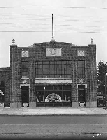 908-10 University Avenue, Brioschi-Minuti 1925-26